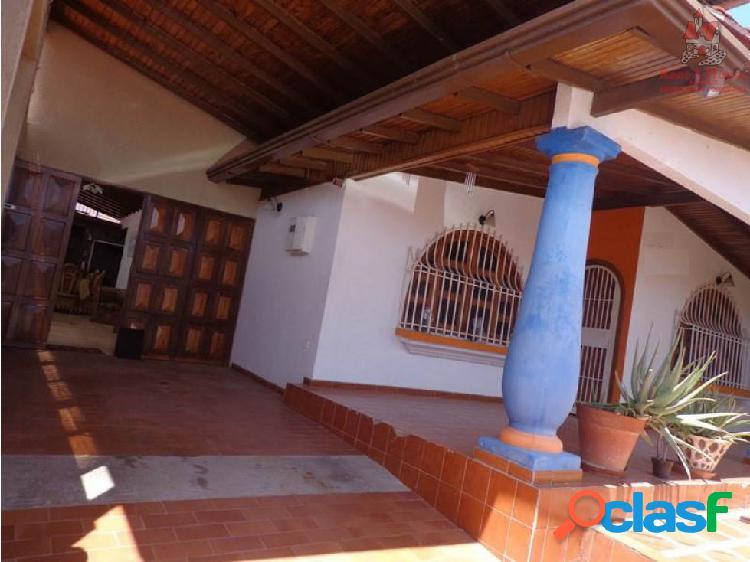 Casa Venta La Victoria La Mora II Cód: 19-1154 LSA