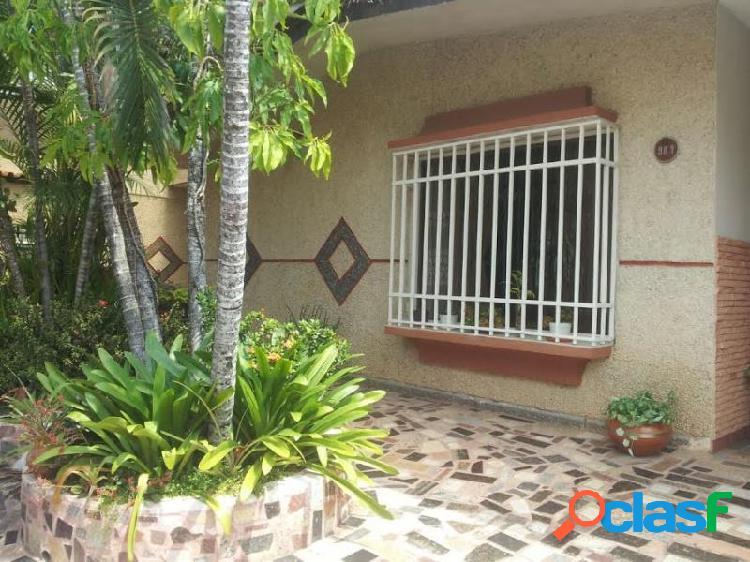 Cómoda y Amplia Casa de 350 M2 Ubicada En El Morro. San