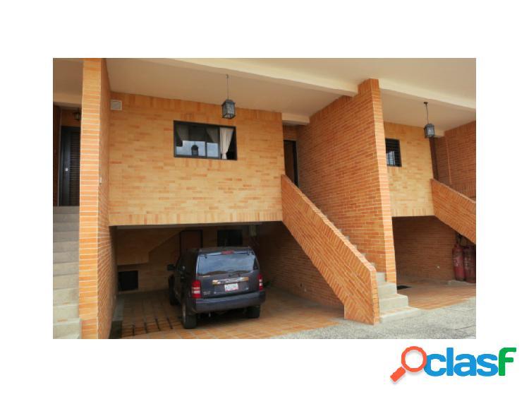 ESPECTACULAR TOWNHOUSE UBICADO EN EL PARRAL Código: 271600