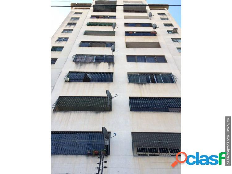 En Venta Apartamento Av Bolívar Norte