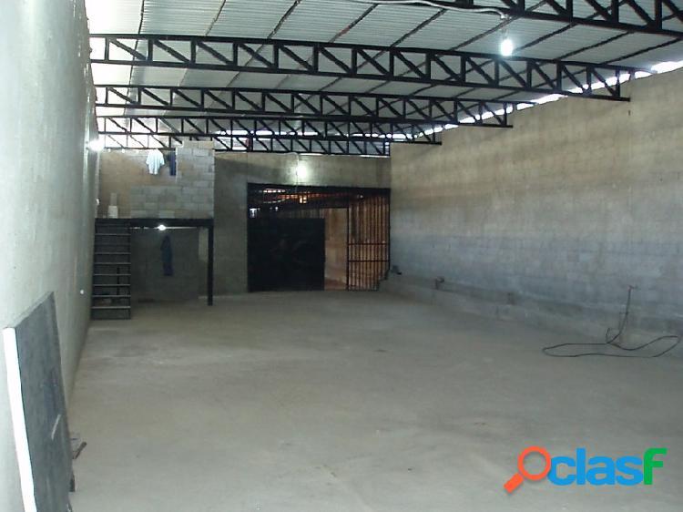En Venta Galpón 561.60 m2 En Caño Amarillo