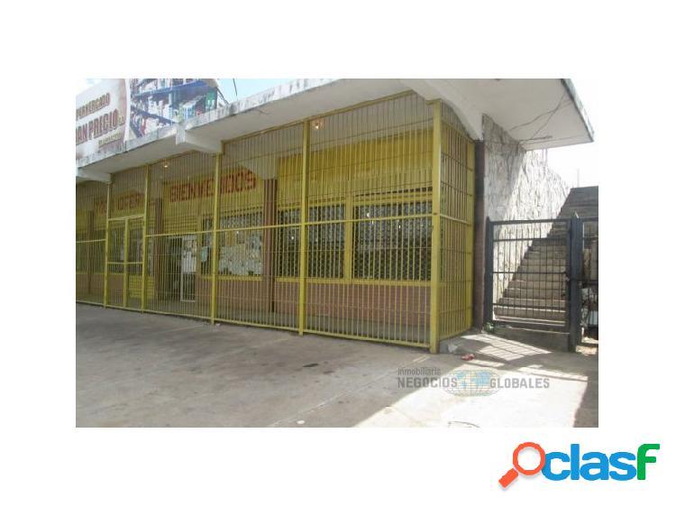 En venta amplio local comercial en avenida Raúl Leoni en