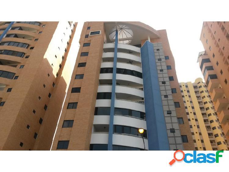 Espectacular y Espacioso Apartamento Ubicado en La