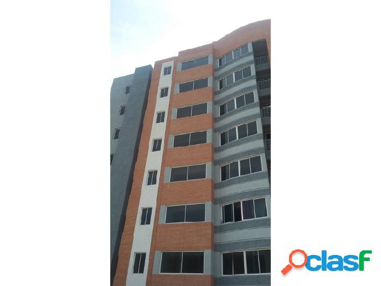 Excelente Apartamento Ubicado en la Urbanización Puerta