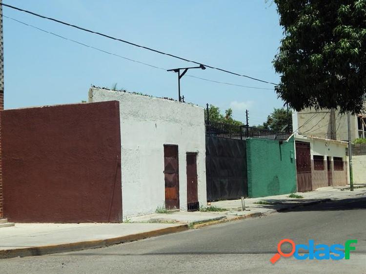 Excelente Local con Deposito, Oficina en Venta en Guacara