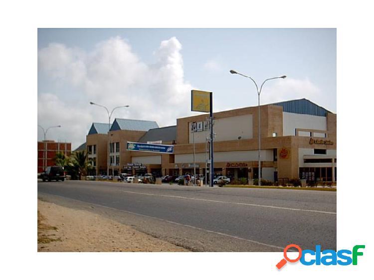 Excelente Local en el mejor Centro Comercial de Tucacas.