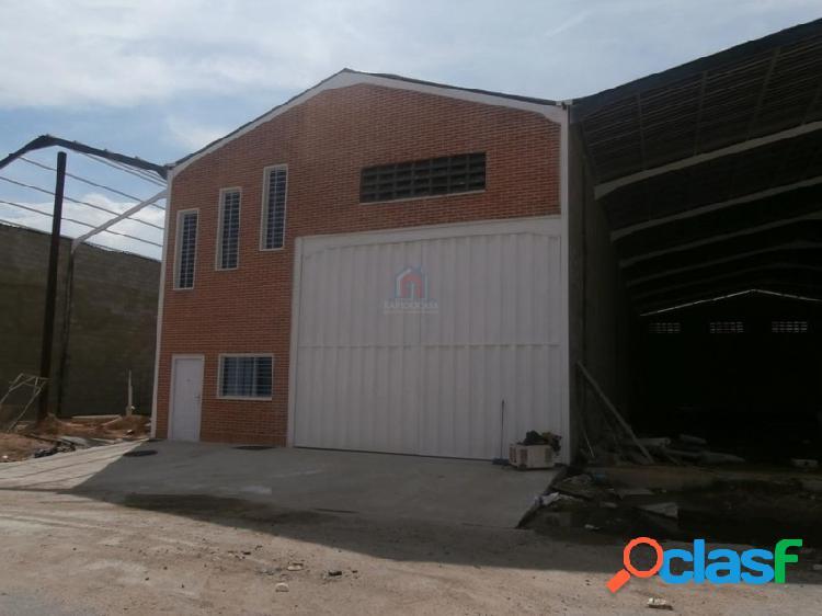 Galpón en Venta en Maracay Avenida Intercomunal Sector La