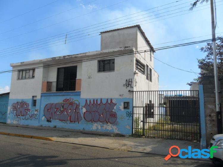 Galpón industrial en centro de Guacara