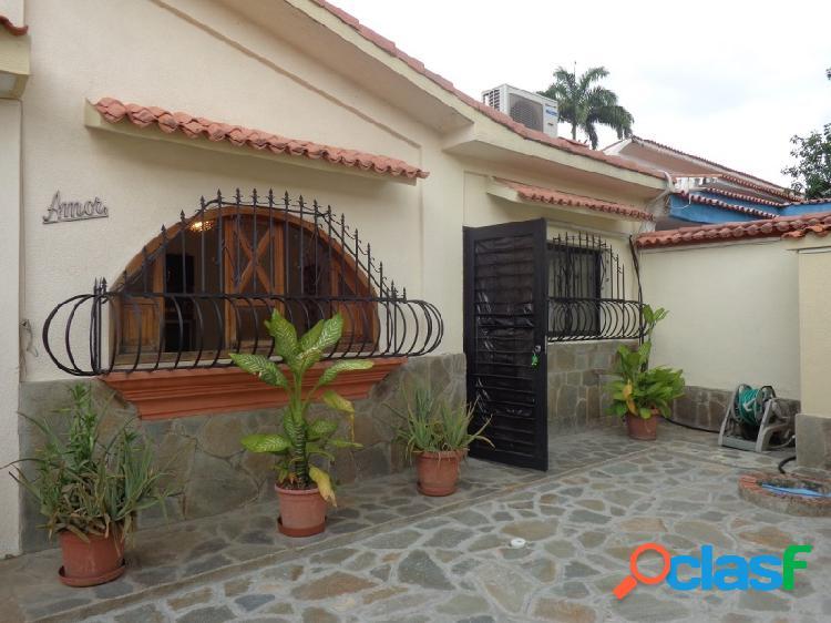 Hermosa y Amplia Casa Con Anexo en el Trigal Código: 270055