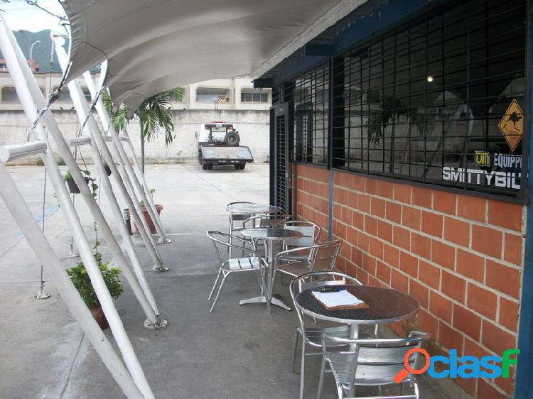 NEGOCIO AUTOLAVADO TSUNAMI EN LA URBANIZACION JARDINES DE
