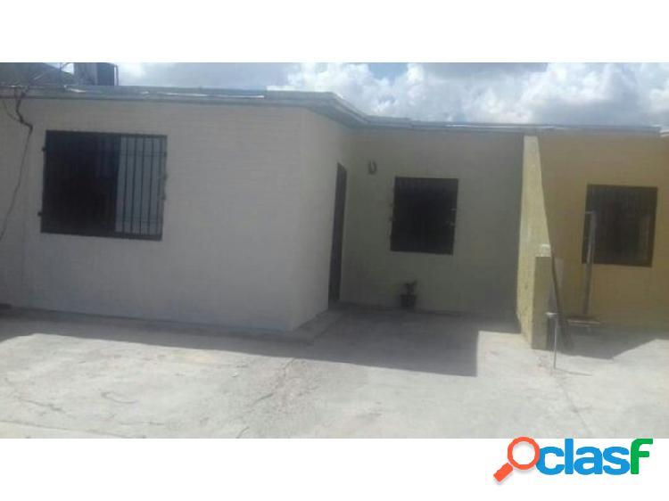 RE/MAX CAPROINCO ofrece en venta, casa en los guayos edo