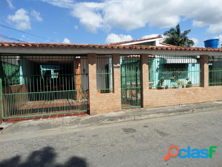 Se Vende amplia Casa en Naguanagua