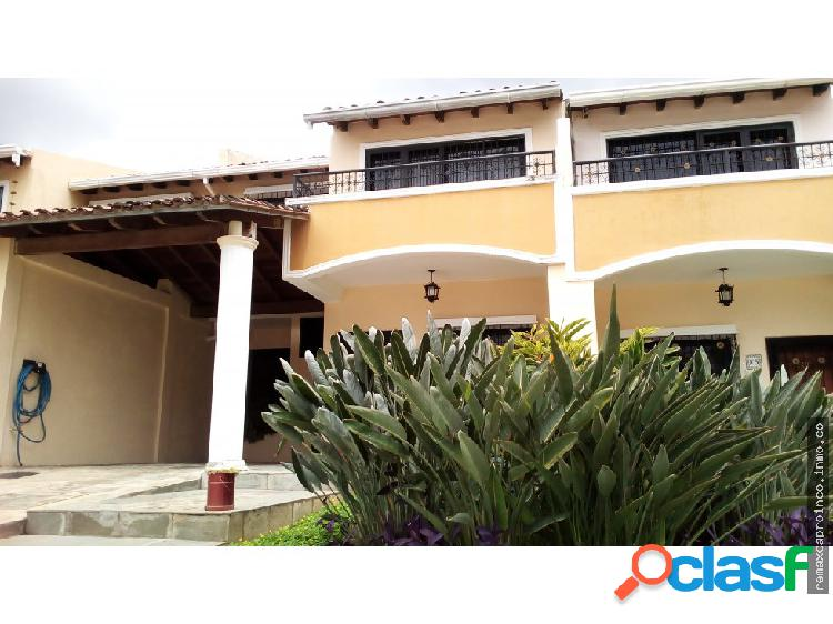 Town House via El Castaño En Maracay