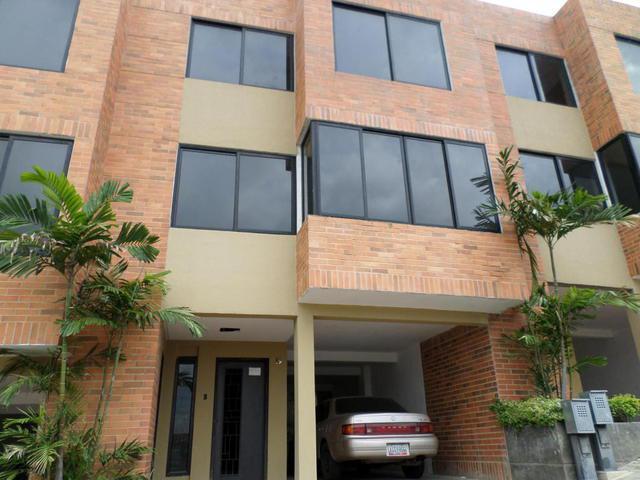 Townhouse en venta Lomas del Este Valencia Flex 14-9316