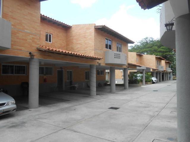 Townhouse en venta en el Trigal Valencia Carabobo COD-FLEX: