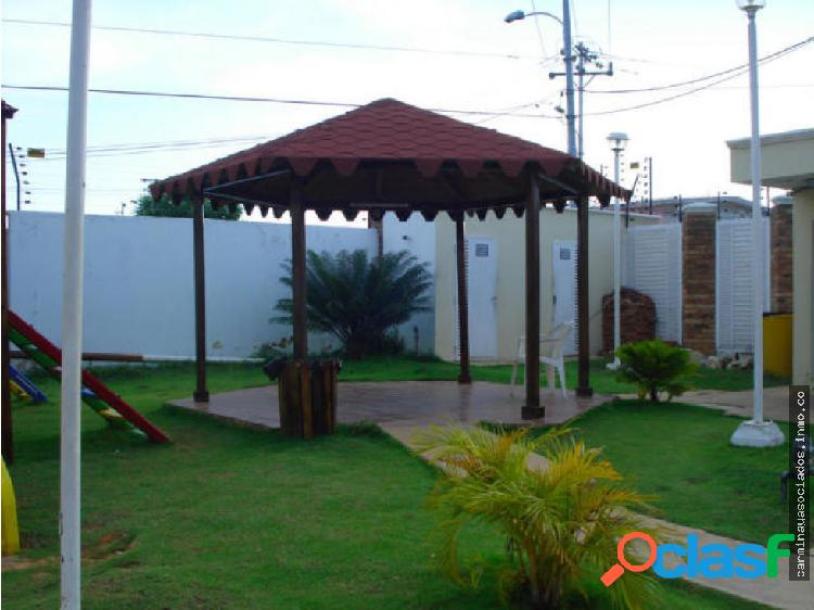 Vendo Townhouse MLS #18-3634 Bello Monte KR