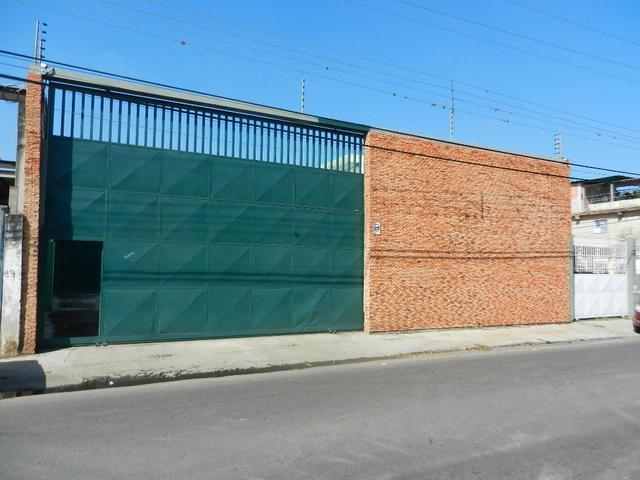Amplio Galpon En Zona Industrial El Castillito