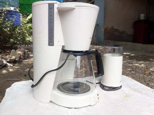 Cafetera Y Molino De Café Marca Braun.