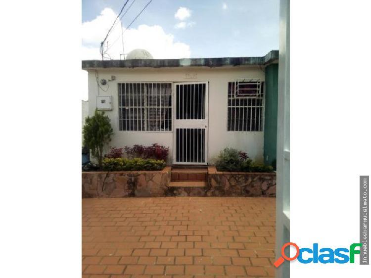 Vendo Hermosa Casa En La Puerta 19-10847