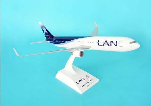 Modelo Avion Boeing 767-300 Lan Skymarks Escala 1/150