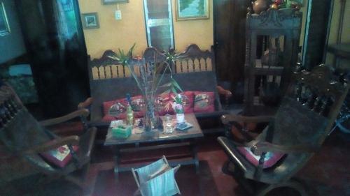 Muebles De Cueros Coloniales