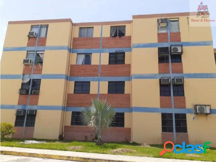 Apartamento en Venta Paraparal AAA 19-12454