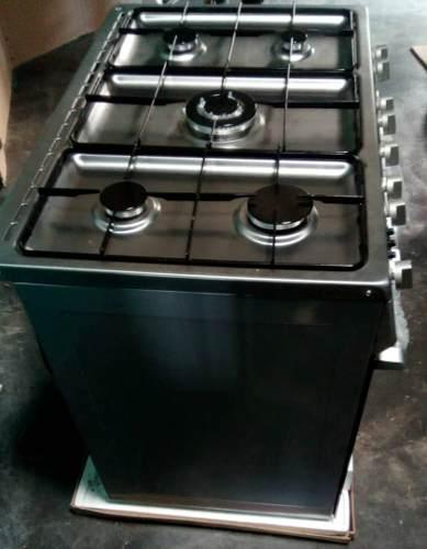 Cocina A Gas 5 Hornillas Con Horno Cromada En San Cristóbal