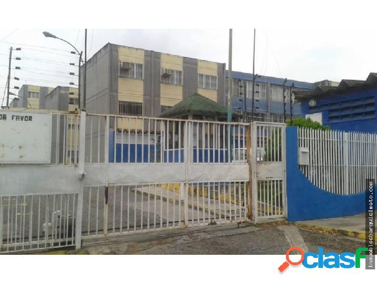 Apartamento en Venta La Mora 19-8757JR