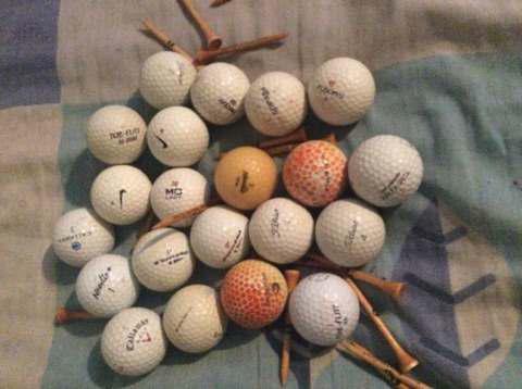 Juego De Pelotas De Golf Con Tee