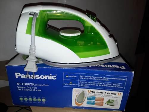 Plancha Panasonic De Vapor Con Cable Retráctil Modelo