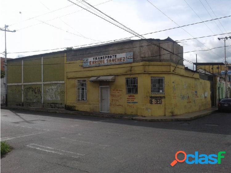 VENDE BIENHECHURÍAS EN BARQUISIMETO CENTRO