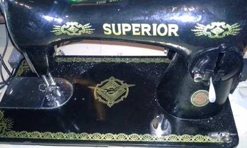 Maquina De Coser Negrita Marca Superior