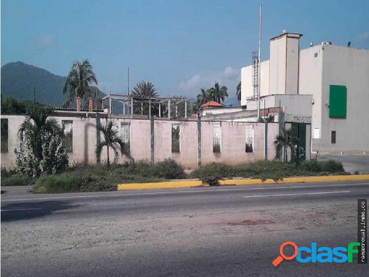 Cód 388825 Terreno en la Urbanización Cumboto Sur