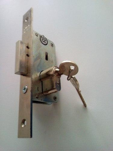 Cerradura Para Embutir 25mm Marca Cisa De Seguridad,un Pase