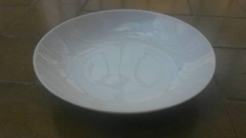 Plato De Porcelana Color Blanco Marca Rc Japan