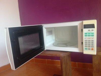 Horno Microondas Lg Usado En Buenas Condiciones