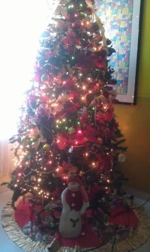 Árbol De Navidad Con Todos Los Accesorios