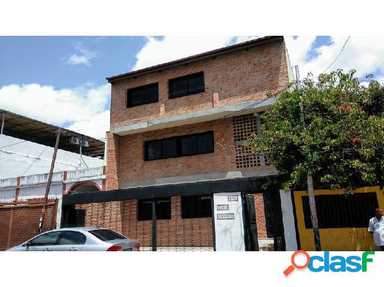 Oportunidad de edificio en venta cerca de la UCV