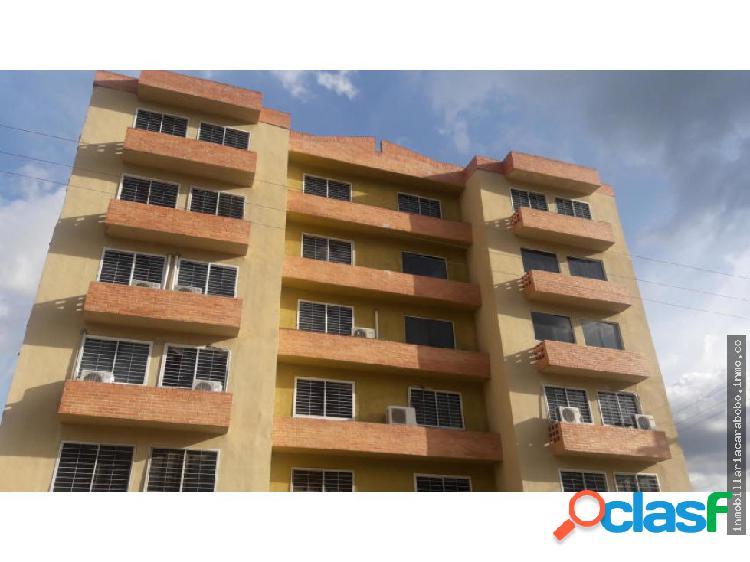 Apartamento En Venta Monteserino 19-13472 JAN