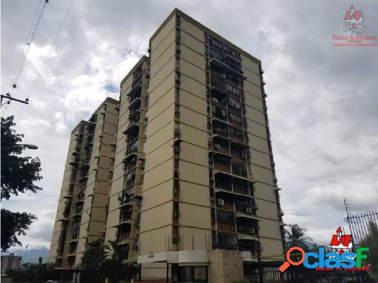 Apartamento Urb. San Jacinto- Maracay ZPE19-13532