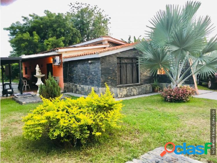 Casa en Las morochas HELGA HENRIQUEZ 04244258088