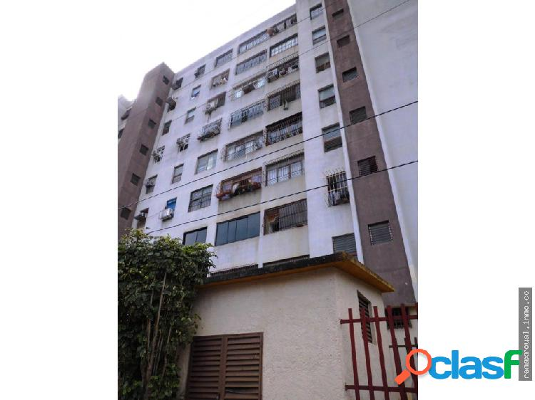 Cód 312853 Amplio apartamento en Naguanagua
