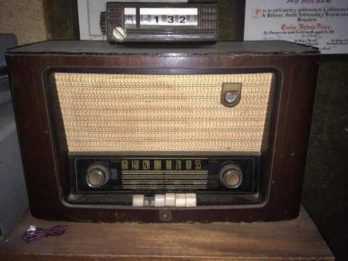 Radio Antiguo De Madera Con Corneta (operativo)