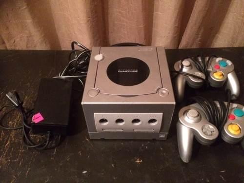 Nintendo Gamecube 2 Controles + 2 Juegos (30 Trump)