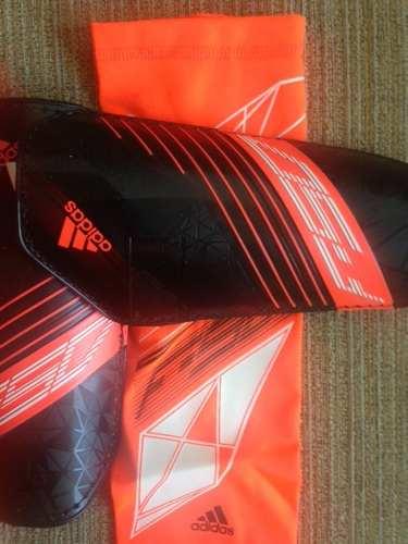 Canillera De Futbol adidas