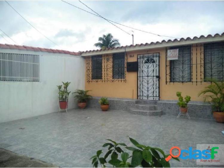 Casa en Venta en Cabudare. Cod. 19-3744