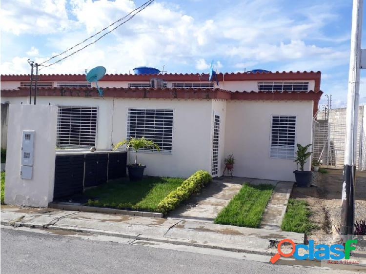Casa en Venta en Cabudare. Cod. 19-6136
