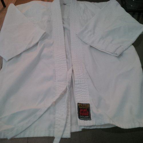 Karategui Uniforme De Karate Marca Shuri-do (usado)
