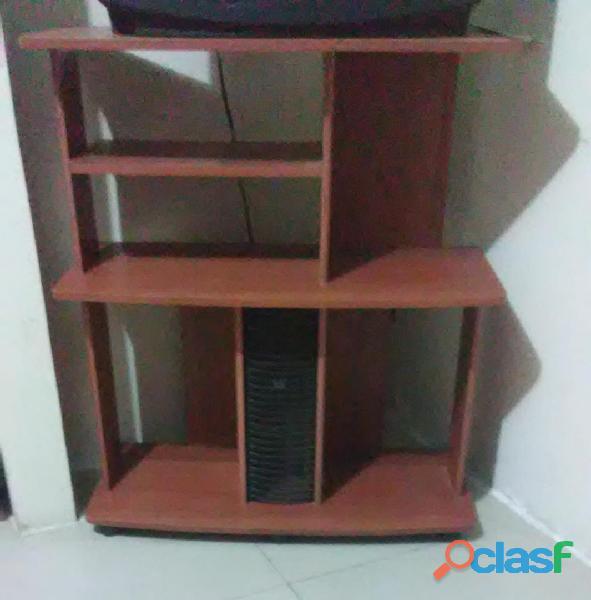 Mesas en formica para TV y equipo de sonido