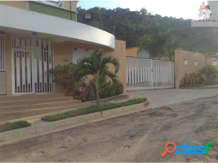 Townhouse en Venta El Parral Jt 19-2568